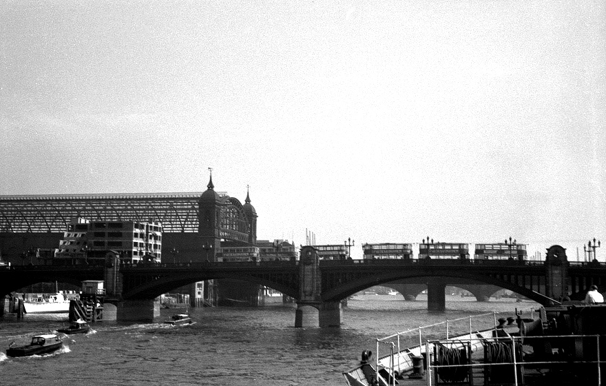 southwarkbridge.jpg